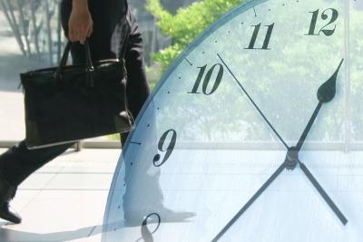 時計とビジネスマン
