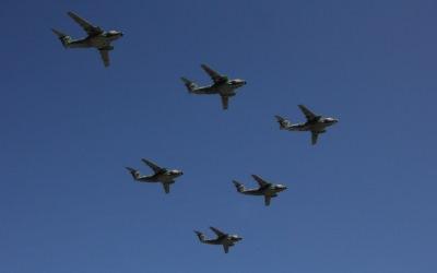 6機の飛行機