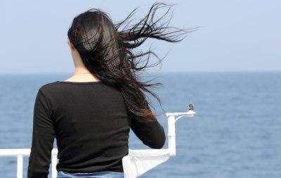 船旅をする女性